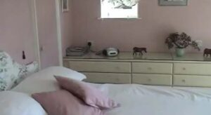 .Holly House - Bedroom